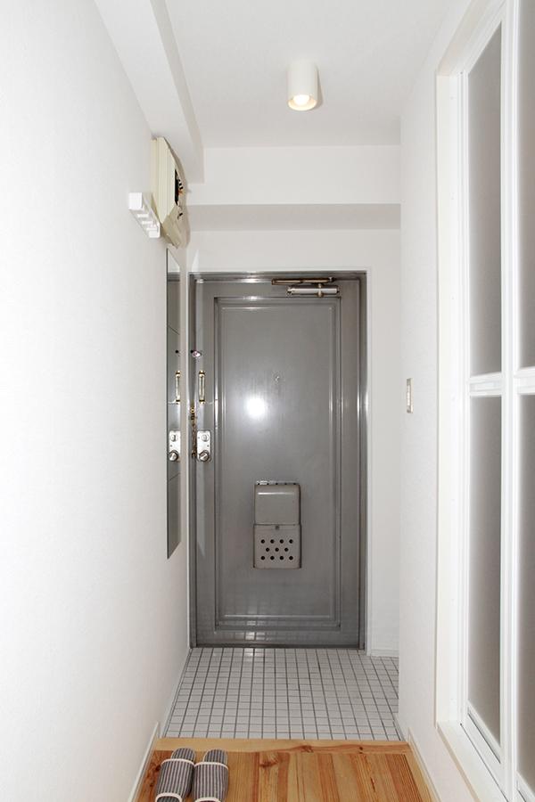 白を基調とした玄関周辺_MG_2489s