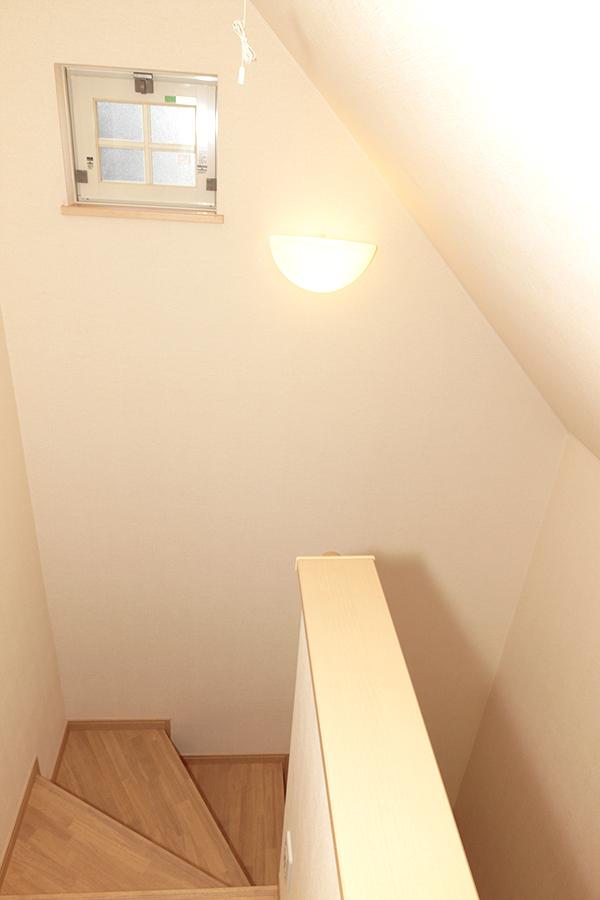 階段途中に窓もあるので、空気がいつでも新鮮です。