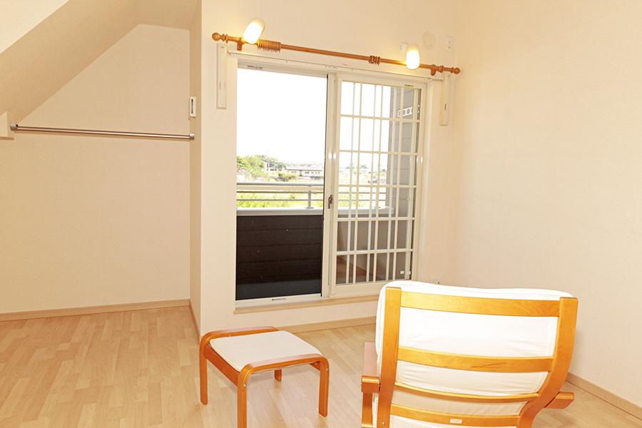 2階のお部屋は、間接照明の灯った素敵なお部屋です。