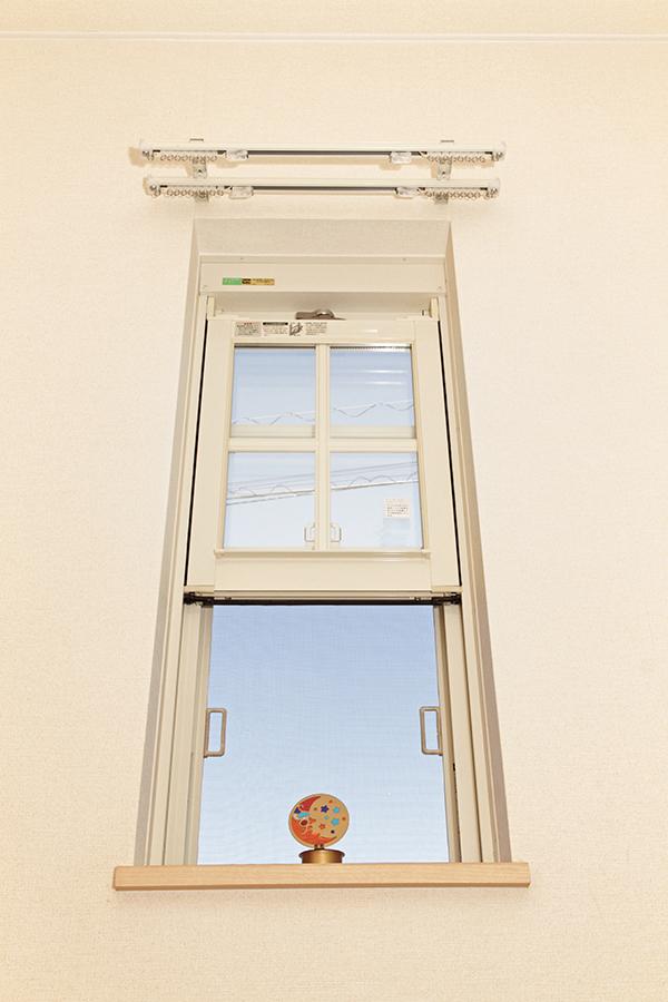 シェッドルーフ こだわりの一つの 珍しい窓です。