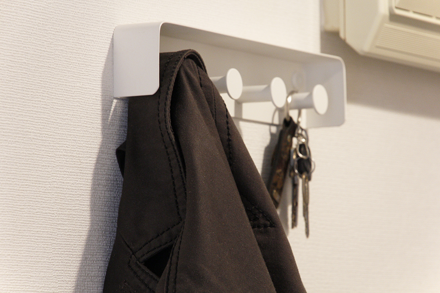 上着や鍵をかけたりするとこんな感じです_MG_5258s
