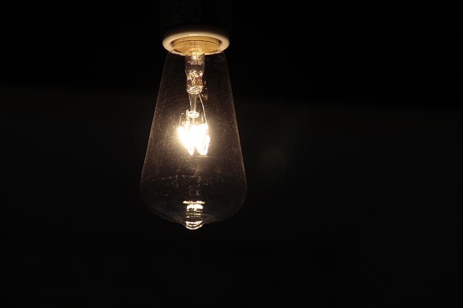 アンティークな照明が照らされると、とっても綺麗です。