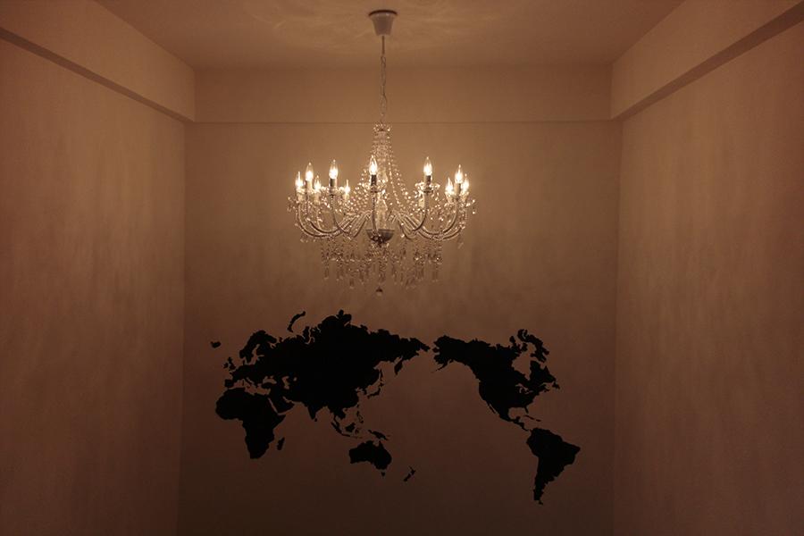 珍しい世界地図の壁紙が、おしゃれです。