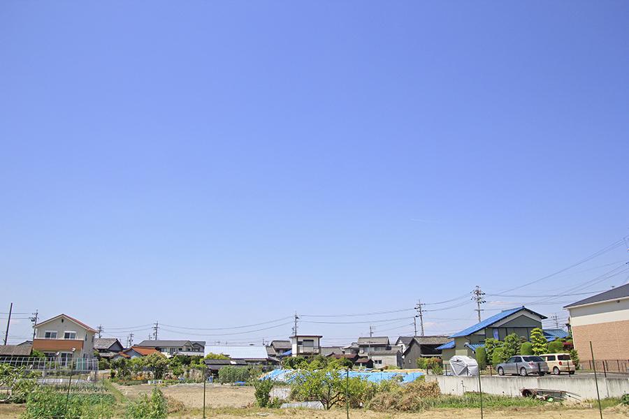 近所をお散歩すると、このような広い空に包まれます_MG_6175s