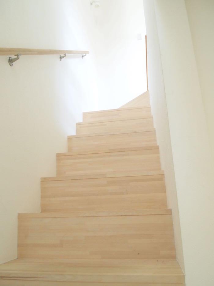 木のぬくもりが優しい階段です。