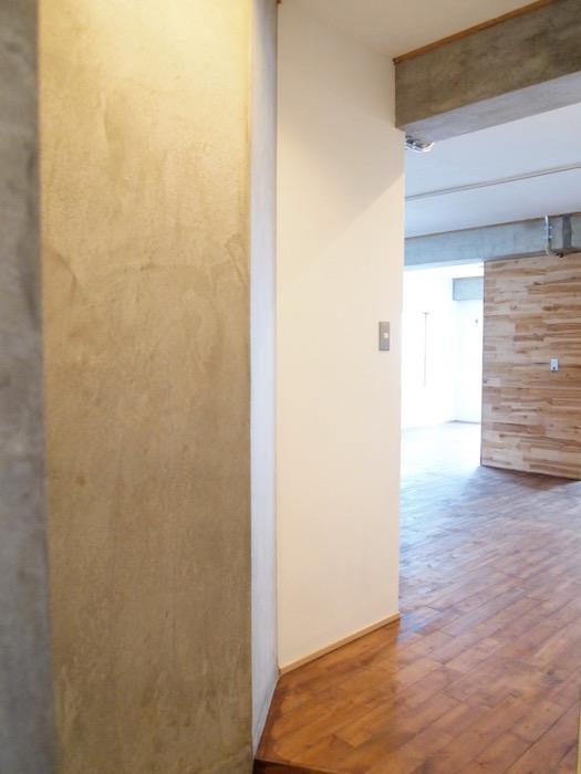 部屋全体が木のぬくもりに癒される空間ですね。