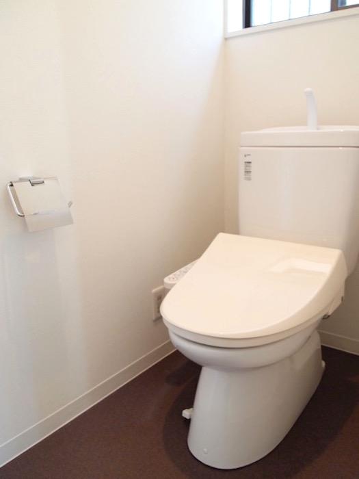 トイレにも窓がついているので、いつも清潔です。