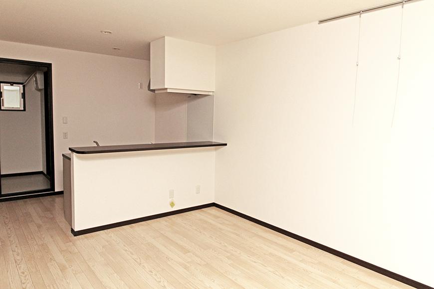 オープンなキッチンとリビング_MG_6820