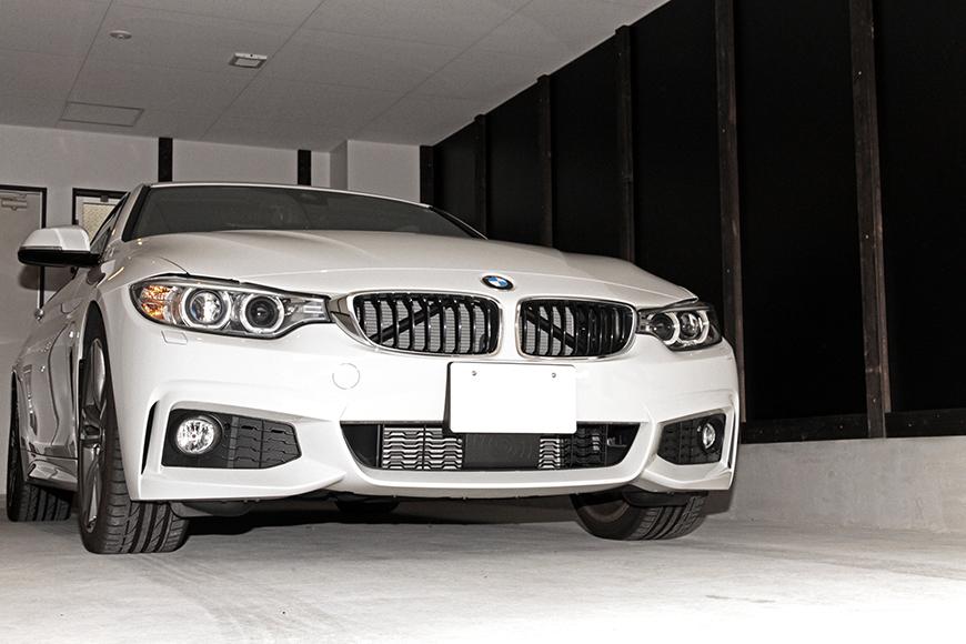 ガレージに愛車を停めたイメージ写真です_MG_6930