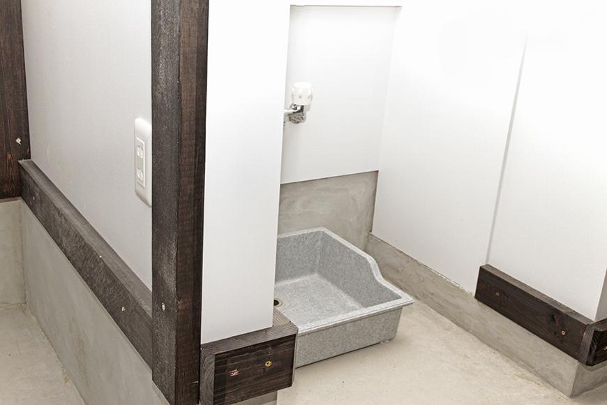 電源は、まずは洗い場の横に一ヶ所_MG_6986