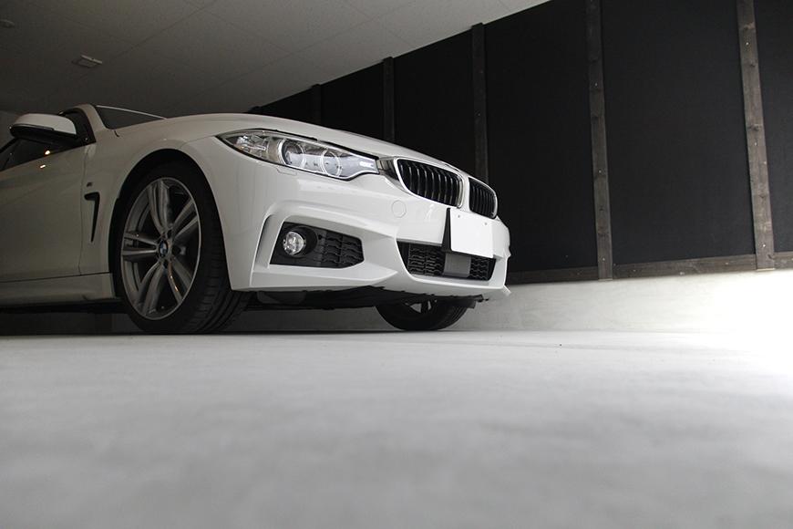 ガレージに愛車を停めたイメージ写真です_MG_9017