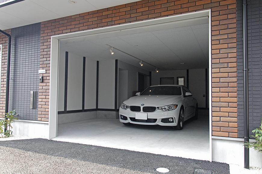 ガレージは、愛車を置いてもこの広さ!