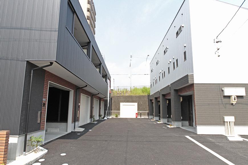 お向かいの白い建物は、VERSTECK Ⅱで、ワンルームタイプ!_MG_7039