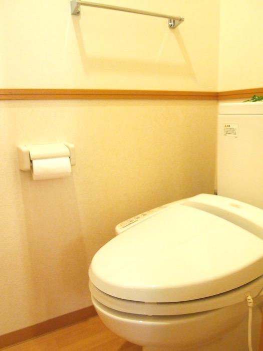 その奥にお手洗い。