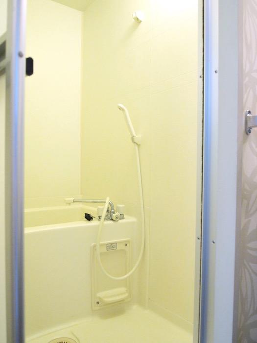 綺麗なバスルームは清潔感が漂います。