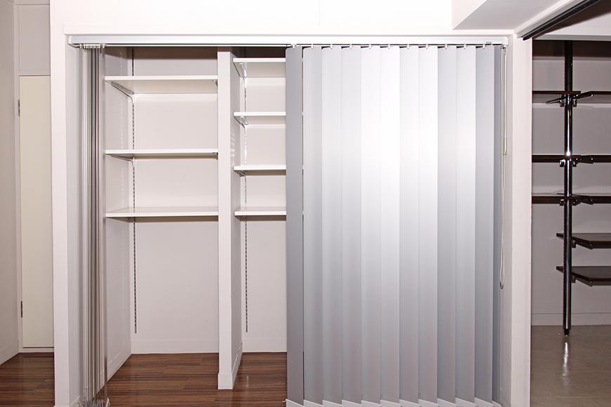 大きな収納は、扉ではなく素敵なカーテン_MG_1433