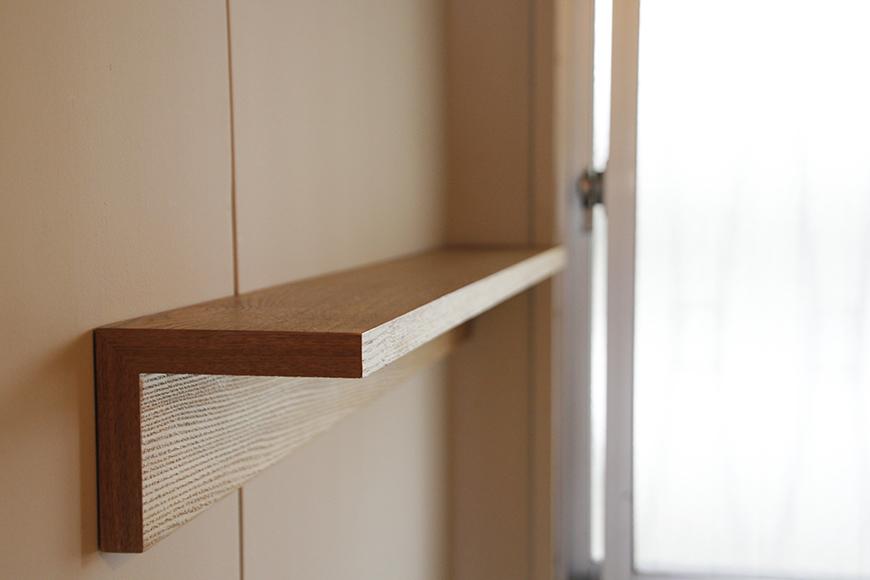 壁に設置されたこの棚は、DIYによるもの!_MG_1504