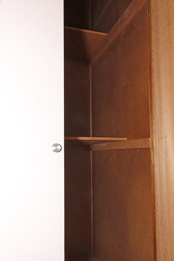 廊下にも縦長の押入れ収納あります_MG_1619