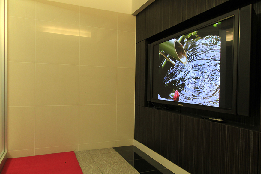 大画面モニターにはシーズンごとの映像が流れます。