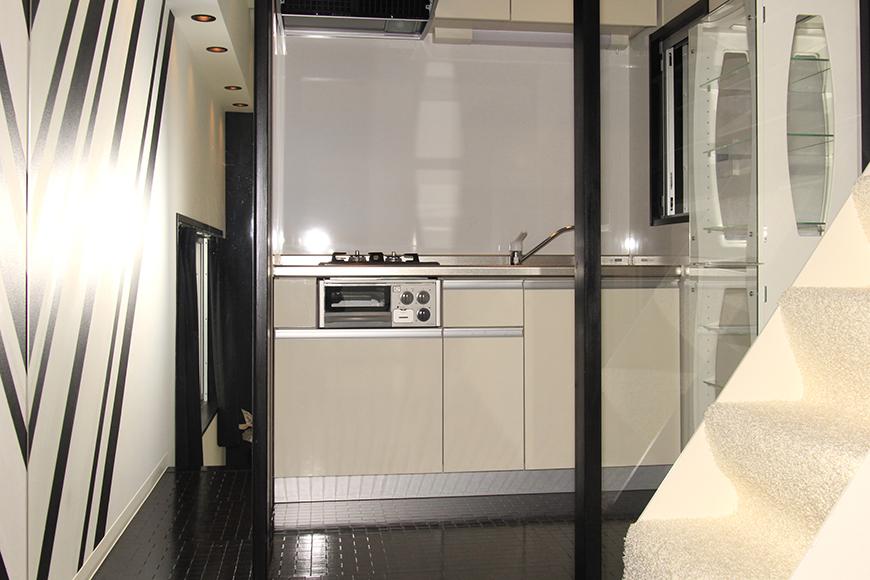 階段を上ると目の前に現れる素敵なキッチン_MG_2508
