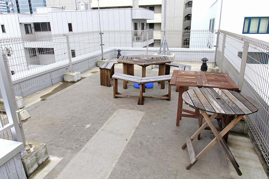屋上には、ちょっとしたパーティのためのスペースもあります!_MG_3070