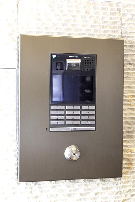 モニター付きのインターホンなので、セキュリティ面もバッチリです。