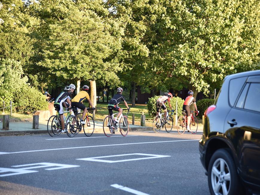 サイクリングを楽しむ人達_DSC_3750