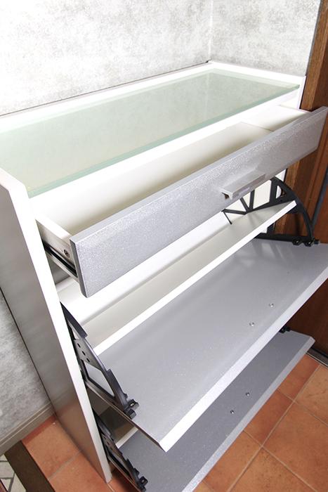 玄関にはシューズボックス完備_MG_0052