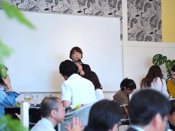 元氣カフェ小﨑幸恵シェフによるお料理説明