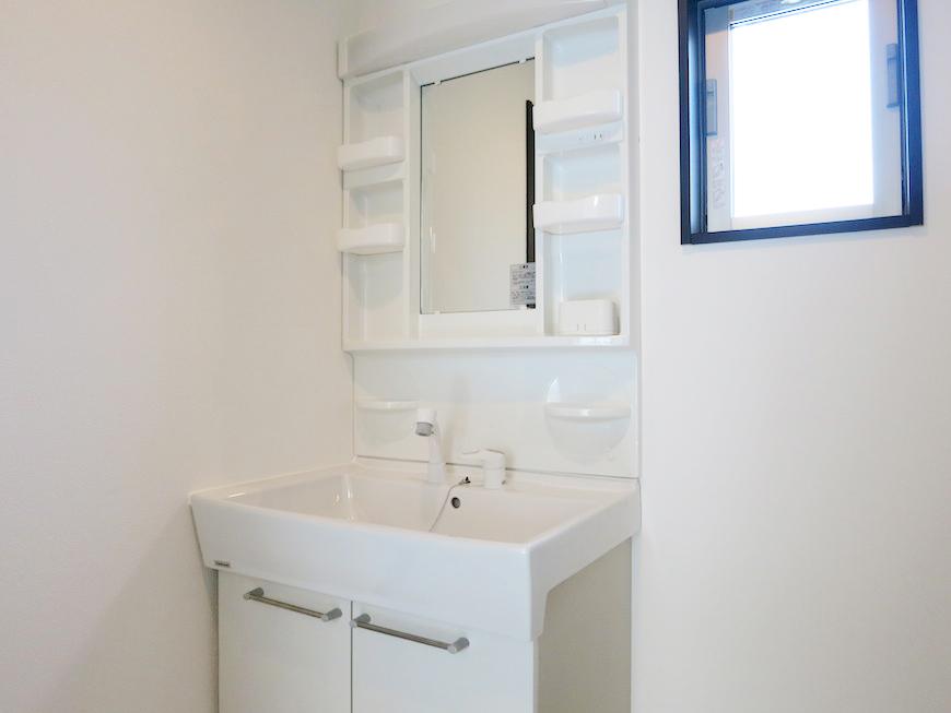 清潔間のあるシャンプードレッサーの洗面IMG_3623_rth