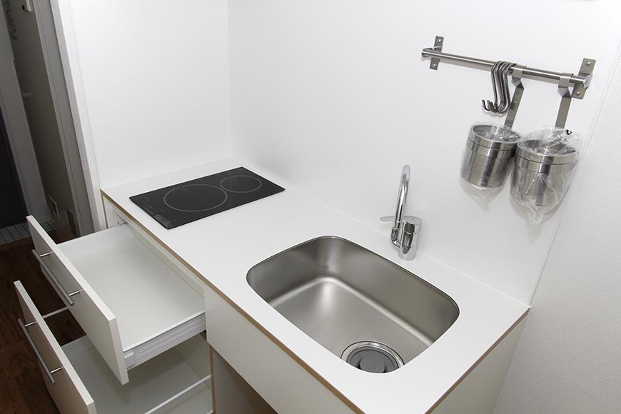 白を基調としたシンプル&コンパクトのキッチン_MG_8489