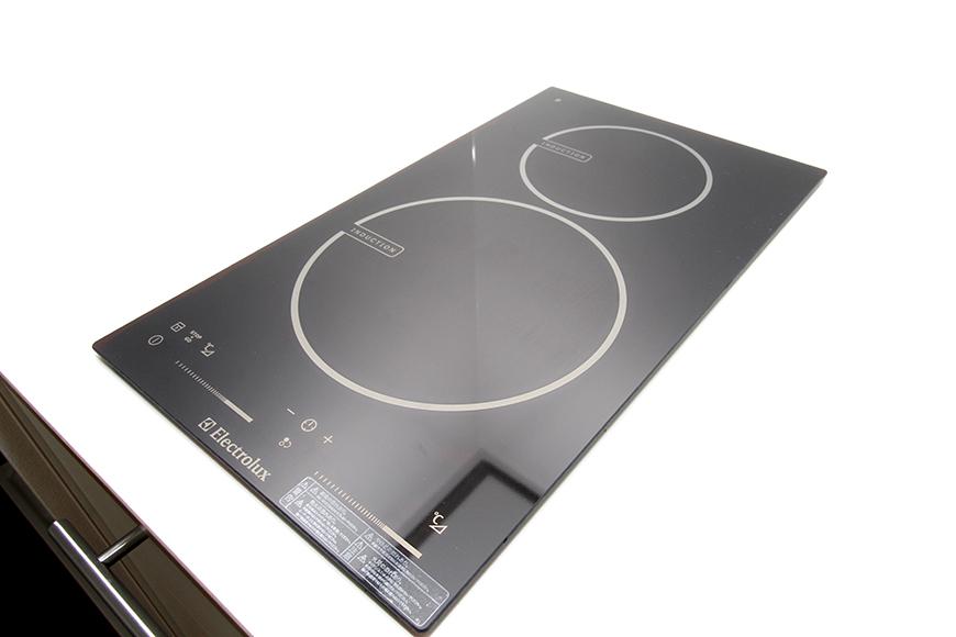 キッチンの主役のコンロはIHクッキングヒーター_MG_8500