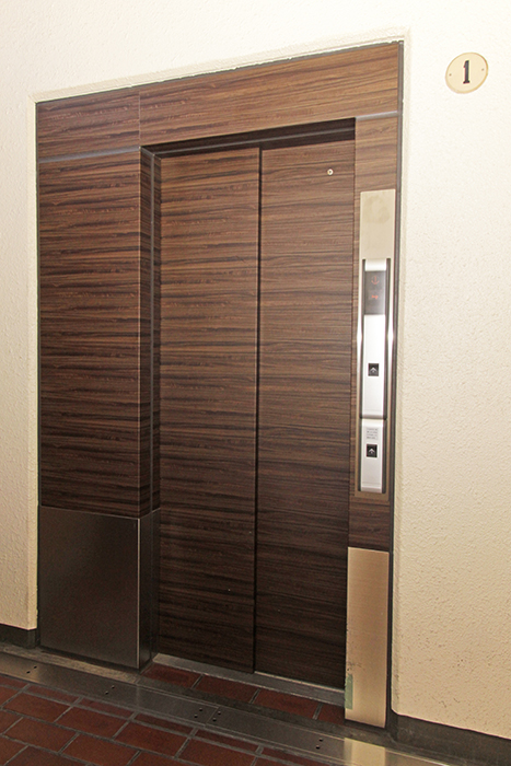 エレベーターもキレイになっています_MG_8644