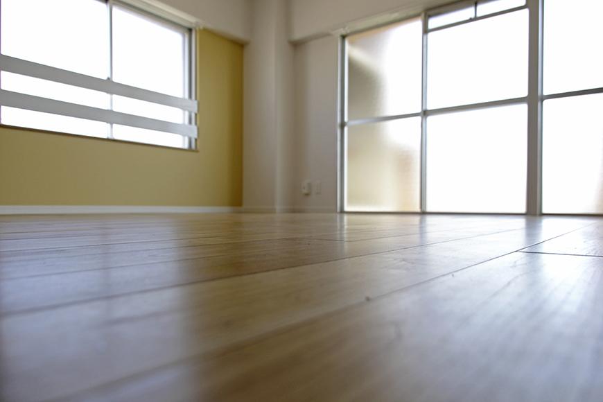 降り注ぐ光と無垢フローリングの香りに包まれて、床でゴロゴロ_MG_8728