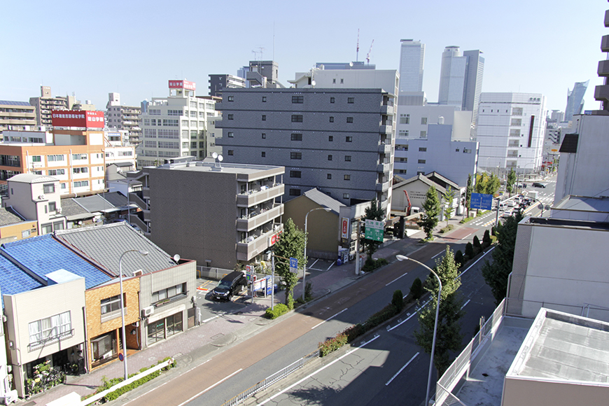 ベランダからの景色です。名古屋駅付近の建物が見えます_MG_8788