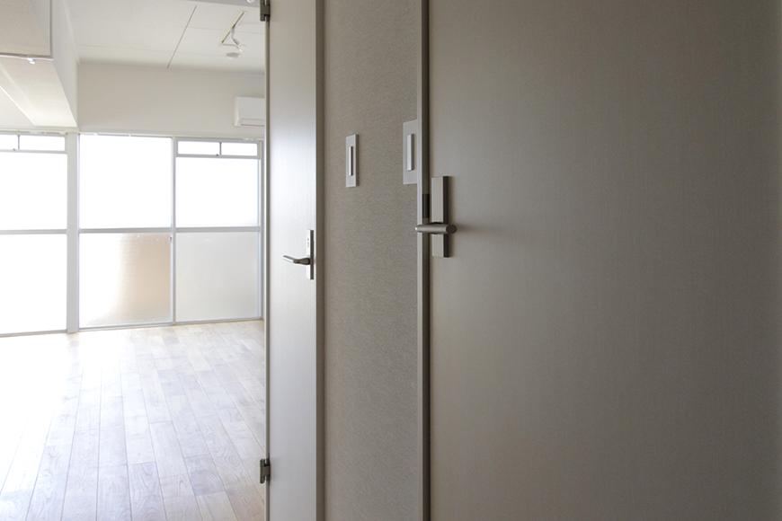 水回り(バスルーム・トイレ)への扉です_MG_8864