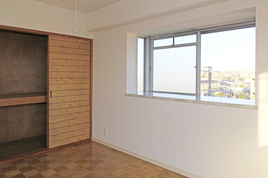 二面の窓から風が通る洋室の収納_MG_9829