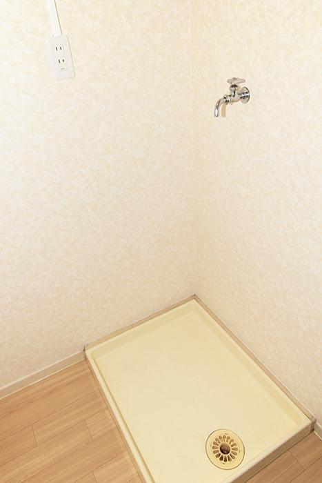 温かい雰囲気の室内洗濯機置き場です_MG_9917s