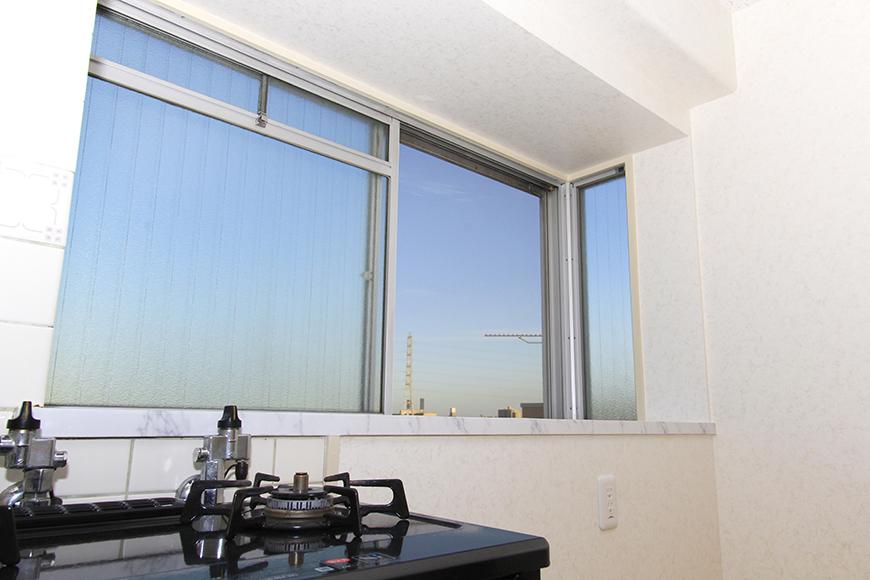 キッチン近くの窓からの眺め。空が広いです!_MG_9933