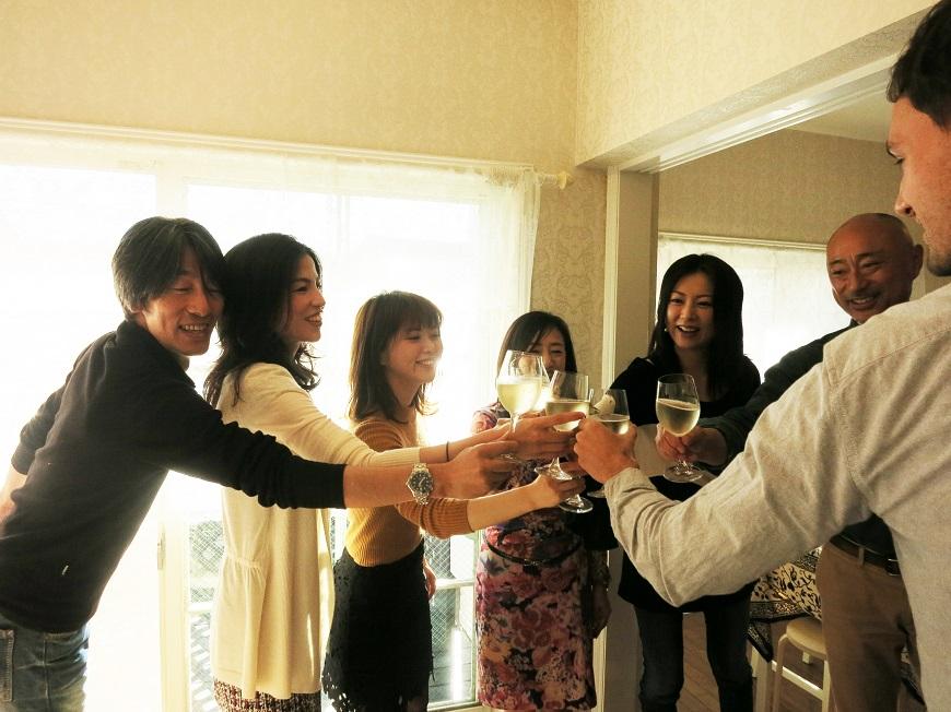サルー!オーナー夫婦、マメゾン住人さん、お友達、ブランチアベニュースタッフで乾杯!!