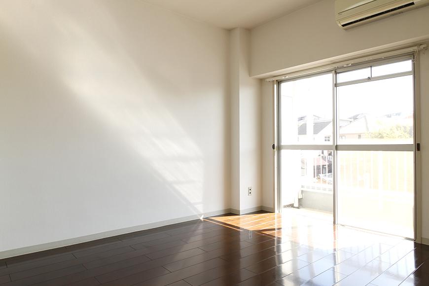 リビングの隣の洋室(6帖)です。こちらもエアコン完備!_MG_8867