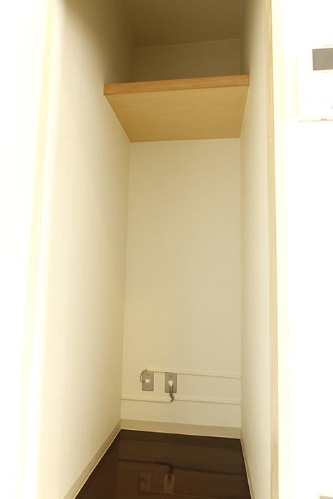 キッチンすぐ横に収納あります_MG_8901