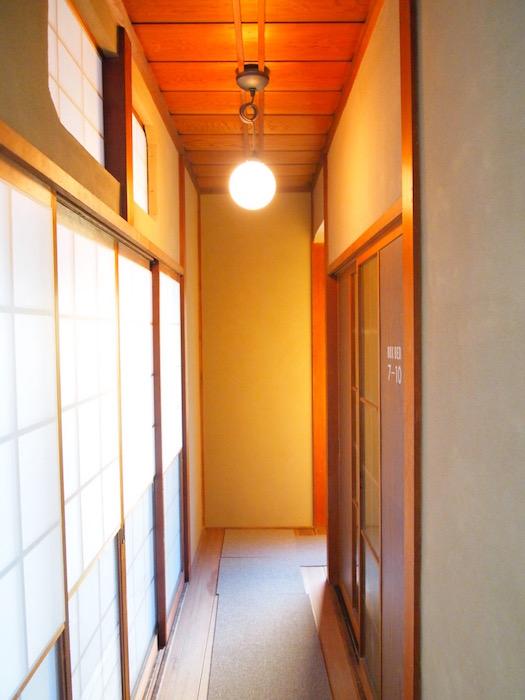 西アサヒ 日本家屋の廊下