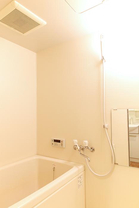 【102号室】シンプルでキレイなバスルームです_MG_0200
