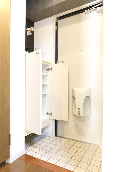 【102号室】102号室の玄関です。シューズボックス完備です_MG_0223