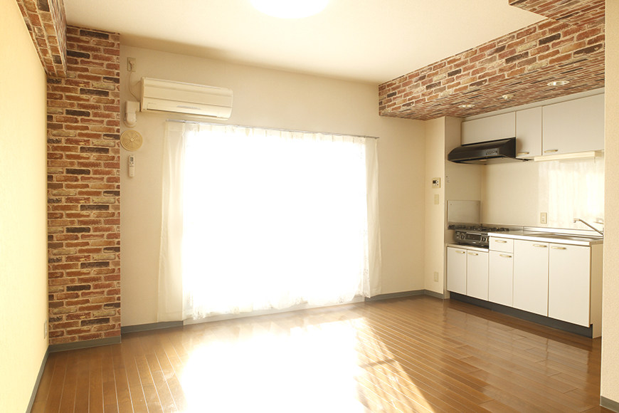 【302号室】広々としたキッチン・リビングスペースです_MG_0283