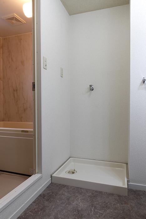 こちらは室内洗濯機置き場です!_MG_8803