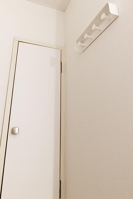 シューズボックスと壁掛けハンガーです_MG_8995s