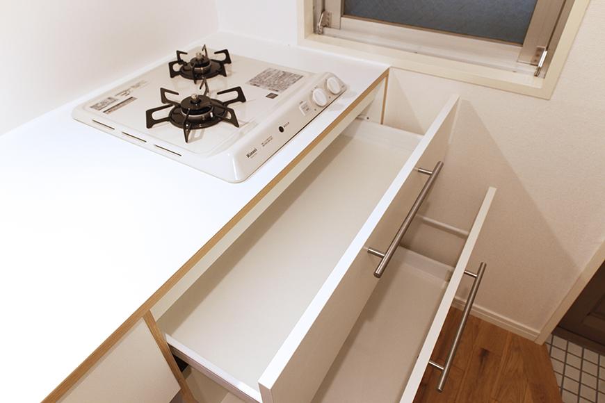 キッチン足もとの収納です_MG_9105