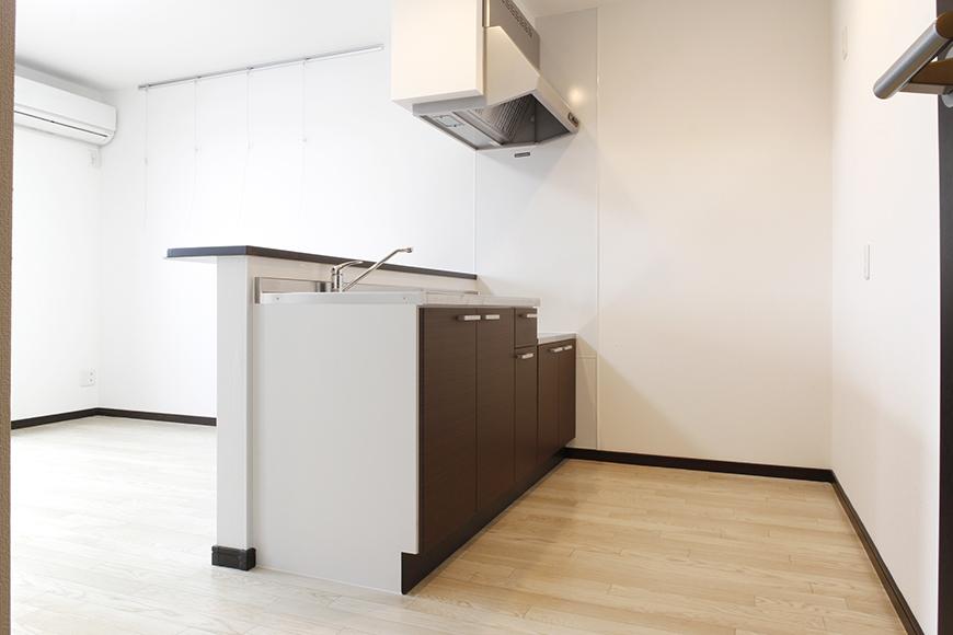 キッチンと後ろの壁までのスペースはご覧の通り!_MG_9157s2